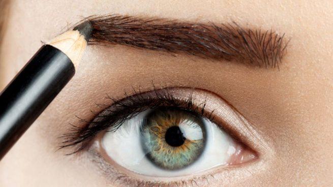 pintado de cejas con lapiz