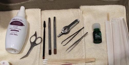 kit para depilar cejas