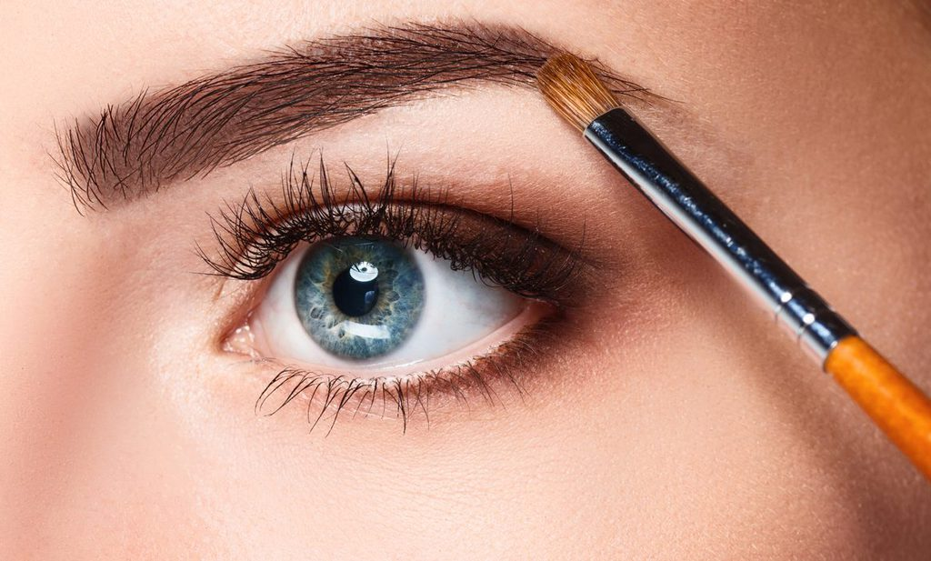 maquillado cejas